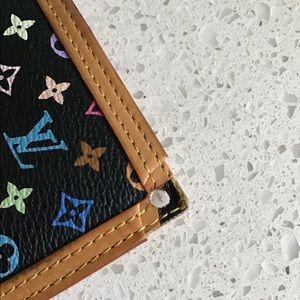 Louis Vuitton Bags - AUTHENTIC LOUIS VUITTON INTL WALLET